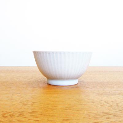 白磁茶碗(縦縞)